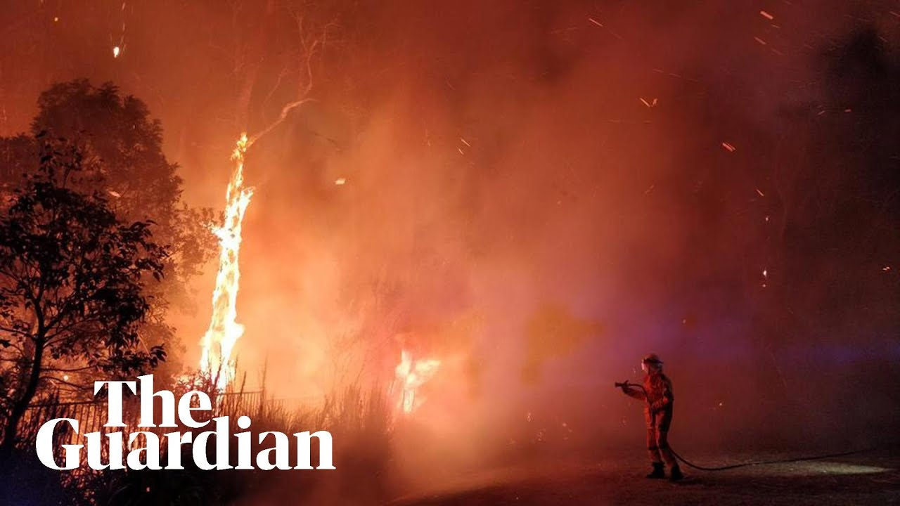 Australia bushfires: hundreds ...