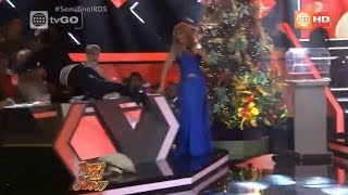 Zumba provoca peligrosa caída a Carlos Cacho - 12/12/2015