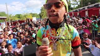 KD & Da Gang On the Road to Perform in Tampa, Florida He Gets The Crowd Lit