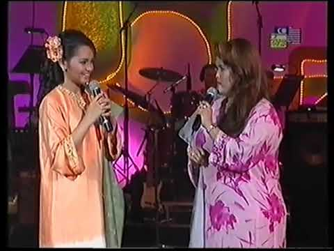 Siti nurhaliza dan aishah duet lagu raya. WOW !!