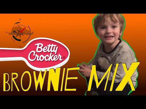 Making Betty Crocker Brownie Mix in a Tristan Quik