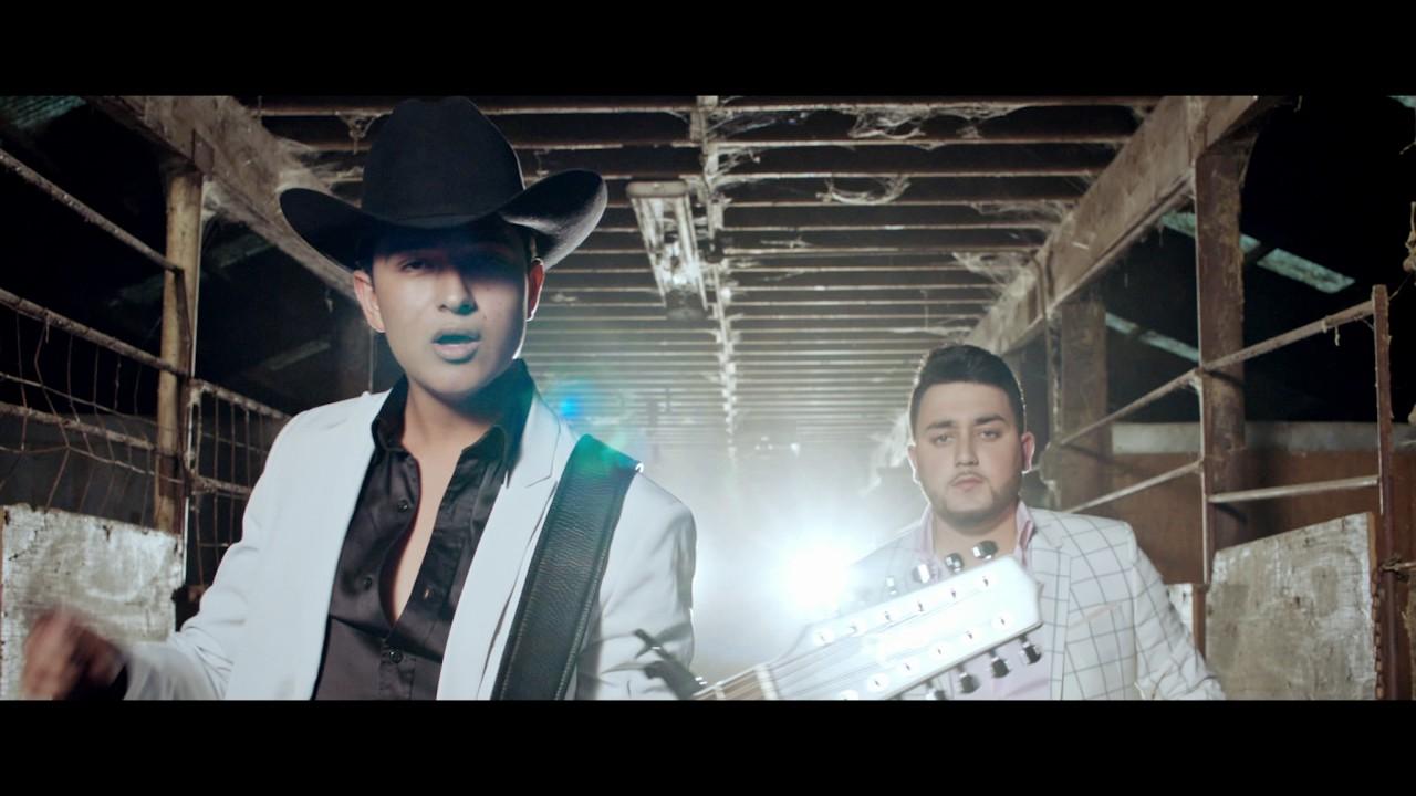 Corona De Rosas - (Video Oficial) - Kevin Ortiz ft. Ulices Chaidez - DEL Records 2017