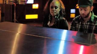 Def Leppard - Love Bites (Sha'Vonne & The Vibe Acoustic Cover)
