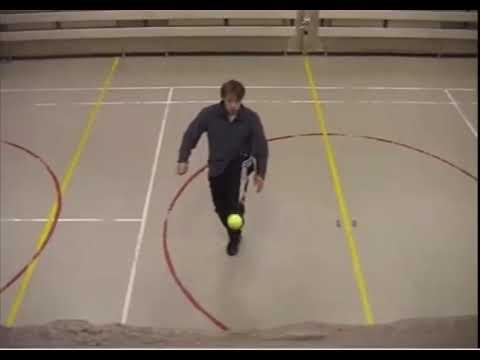 Arild Berg - insane footballing skills (indoor w/ tennis ball)