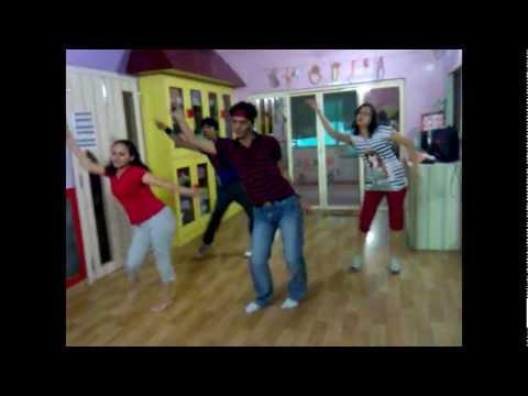 Disco 82 remix bollywood Dance choreographed by Kunal (Dance FlooR StudiO)