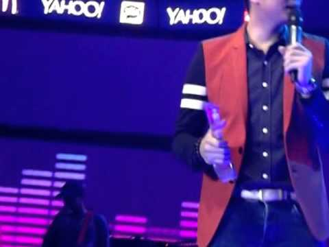 Yahoo Celebrity Awards 2014: Vhong Navarro (Male TV Host of the Year)