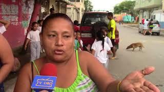 MADRES DE FAM. DE ESC. GUADALUPE FERNANDEZ RECLAMAN DESPIDO DE MAESTRA