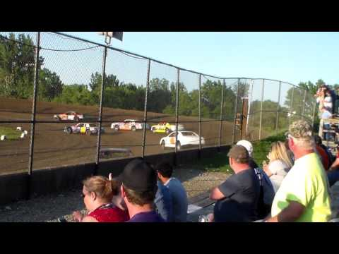 Stock Car Heat 1 @ Marshalltown Speedway 06/06/17