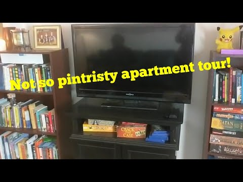 My 2018 Apartment Tour! *Not Pinteresty*