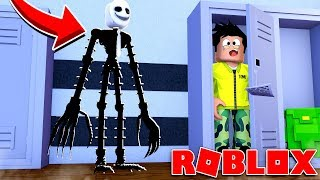* HELP * A MONSTER WANTS TO EAT ME UP IN ROBLOX