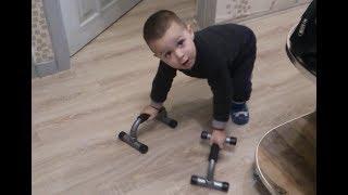 Mohammed Ali with a toy car - MəhəmmədƏli oyuncaq araba ilə
