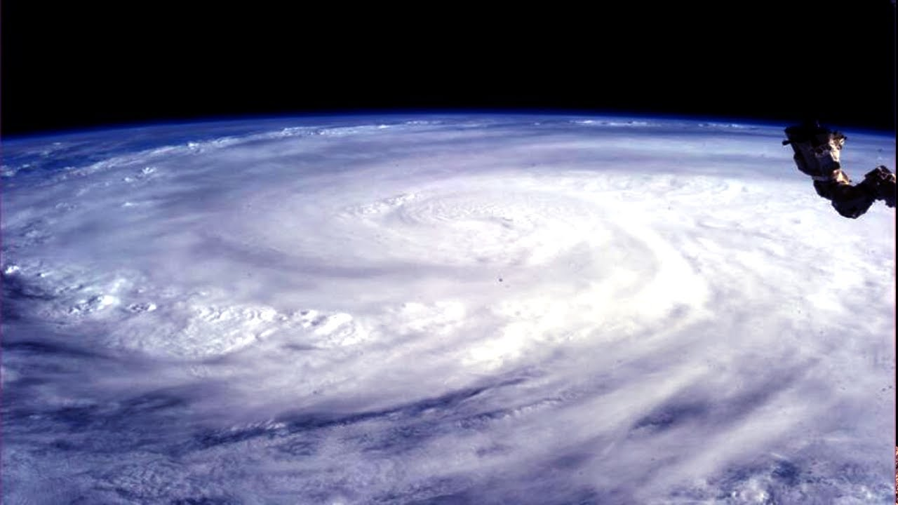 Iss Hd Wallpaper Typhoon Haiyan From Space Youtube