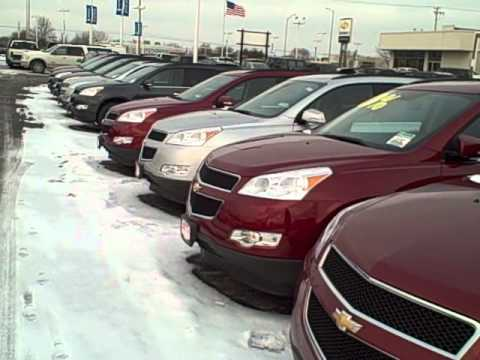 2011 Chevy Traverse Walkaround At Apple Chevrolet In Tinley Park, IL.