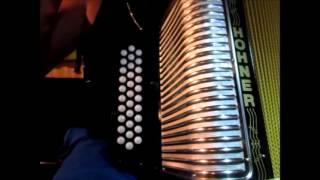 el komander estrategia de escape instruccional facil acordeon de botones principiante
