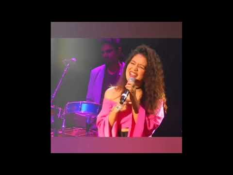 Neha Kakkar Live Singing ## Maahi Ve ##