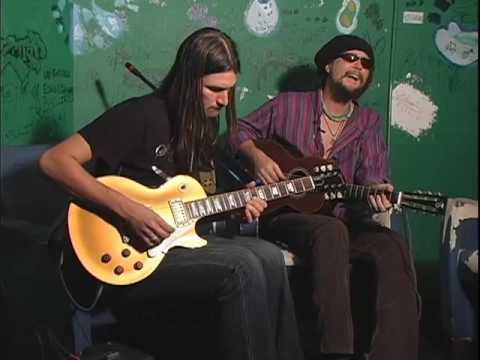 Duane Betts & Pedro Arevalo perform