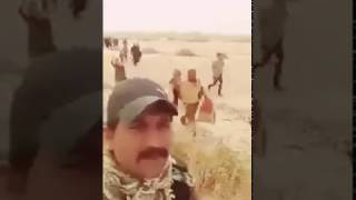 نازح من الموصل يبوس حذاء جندي في الحشد شاهد لتعرف السبب لايفوتك