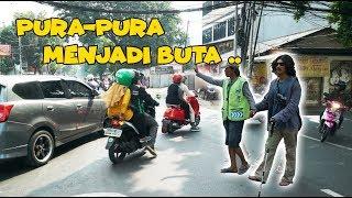 Download JADI ORANG BUTA BANYAK YANG BANTU GA ? Mp3 and Videos