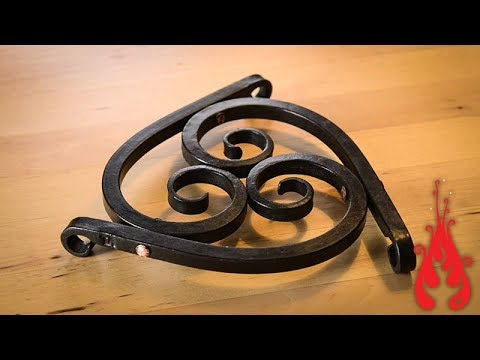 Blacksmithing - Forging a trivet
