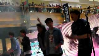 "CD9- ""Ángel cruel"" Showcase Perisur Thumbnail"