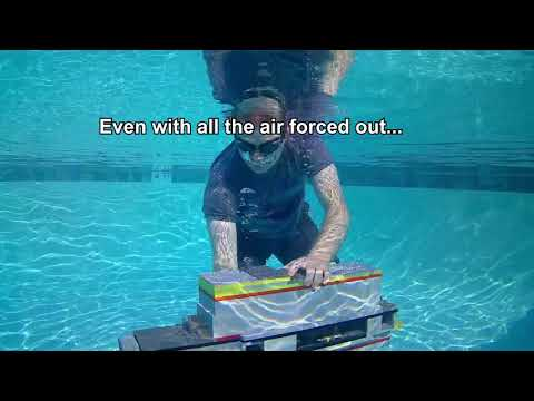 LEGO Submarine working POOL test 1