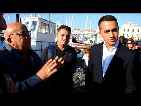 Di Maio e Cancelleri incontrano pescatori al porto di Catania