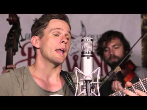"""HOT CAN SESSION: The Steel Wheels - """"So Lonely"""" // The Bluegrass Situation"""