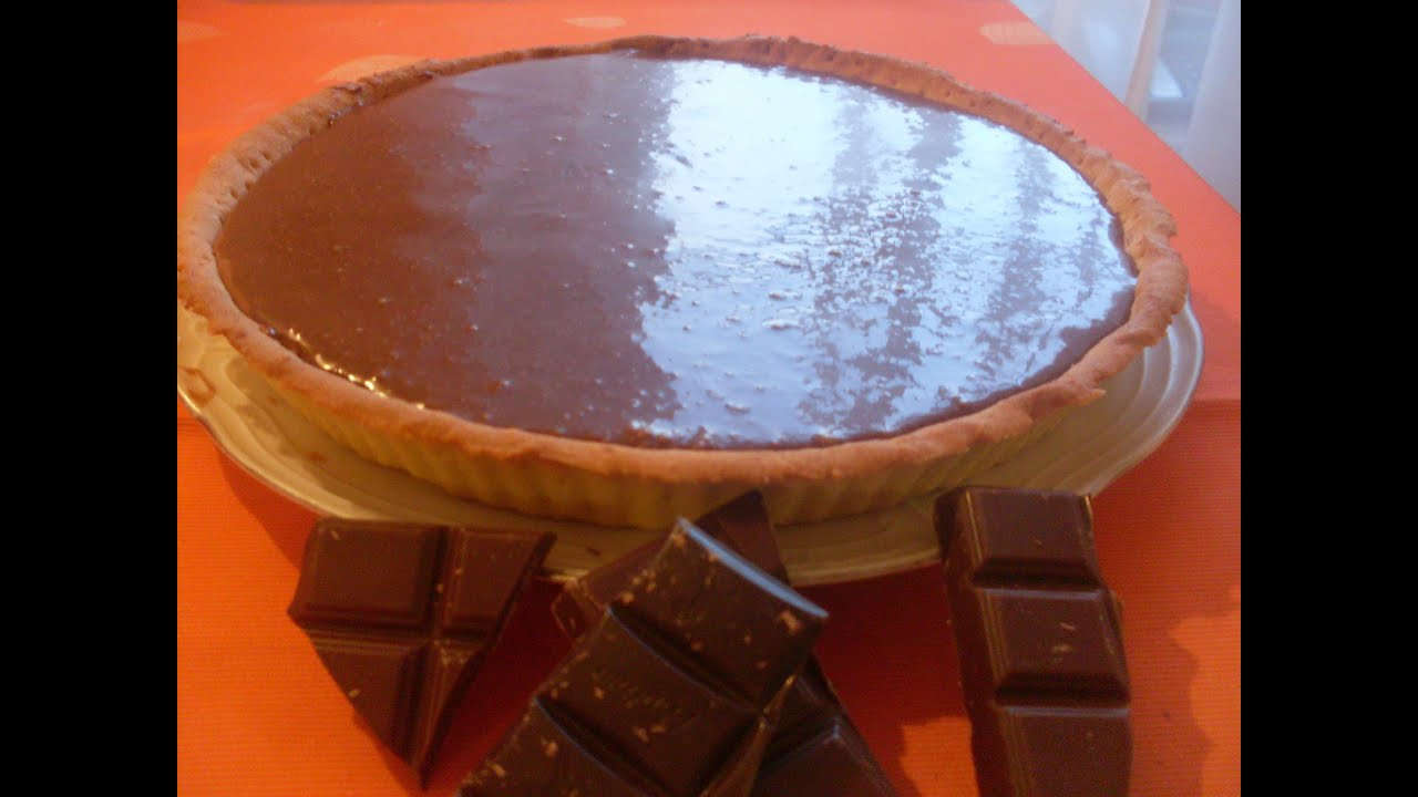 Comment faire une tarte au chocolat recette tarte au - Comment decorer une tarte au chocolat ...