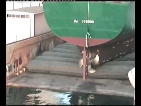 Onur Makina - M/T ADEN Ship Launching with Airbags - Balonla Denize İniş