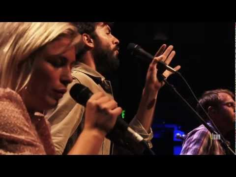 """The Head And The Heart - """"Rivers And Roads"""" (Live On ETown)"""
