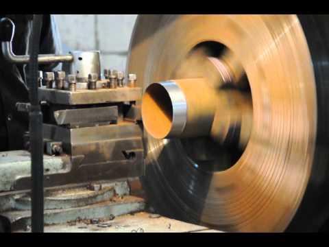 Обсадная металлическая труба - нарезка резьбы