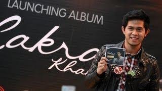 [3.82 MB] Cakra Khan - Tak Bisa Lepas (Lyrics Video HD)