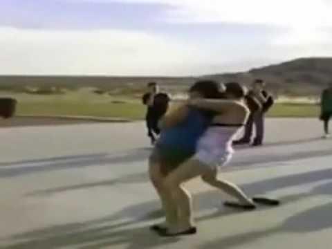Street Fight A Girl Wins By Rear Naked Choke