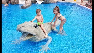 Water park for kids. Video compilation 2017 with kids playing in water