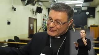 Jornal Acontece - Título Cidadão Araraquarense ao bispo Dom Paulo Cezar Costa