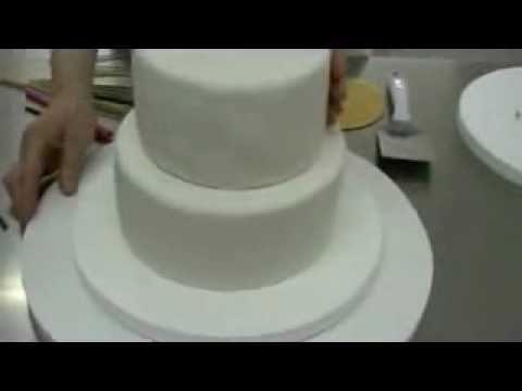 Cómo hacer una tarta de fondant de dos pisos. Como montar una ...