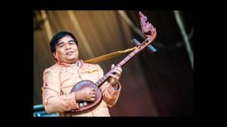 The Paradise Bangkok Molam International Band - Sao Sakit Mae