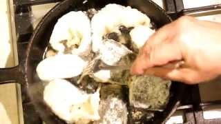 Пожарить сома (рыбу)(Пожарить сома (рыбу). Как пожарить сома на сковородке в муке. Кулинарный рецепт онлайн. Оставить благодарнос..., 2015-11-06T07:41:44.000Z)