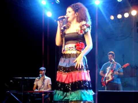 Vanessa da Mata em Aracaju - Acode