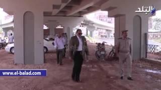 بالفيديو..محافظ سوهاج يتفقد موقف سيارات جهينة الجديد