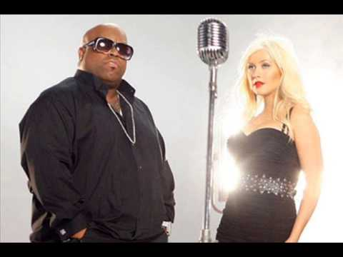 Cee Lo Green feat. Christina Aguilera - Baby It's Cold Outside (Full)