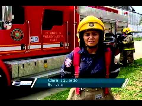 Mujeres fuera de serie youtube for Almacenes fuera de serie