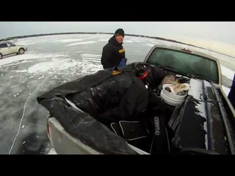 Setting Up an 8-man Frabill Ice Shelter [Green Water Walleyes Fishing Guide] LyubakaVideo