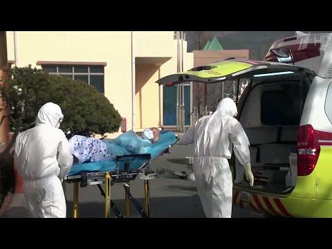 Россиянам рекомендуют отказаться от поездок в Италию, Южную Корею и Иран из-за вспышки коронавируса.