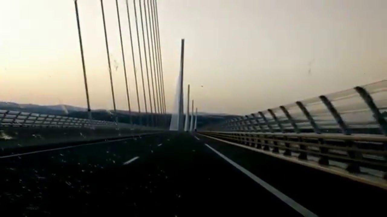 Viaduc De Millau En Aveyron France Le Plus Haut Pont Du Monde