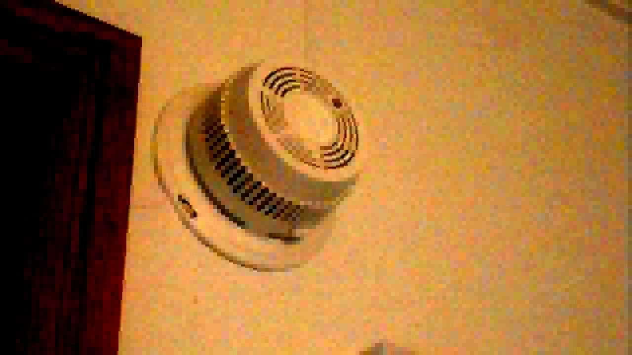 Loud Electric Smoke Detector Youtube