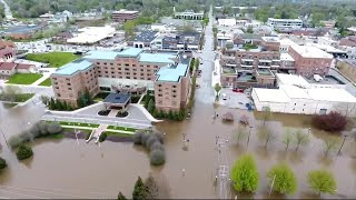 10,000 evacuated from Michigan towns after dams fail