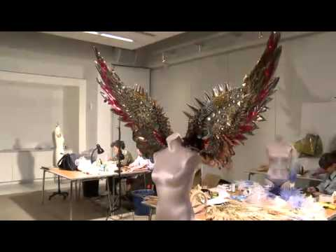 Victoria's Secret Fashion Show 2011 - Making of Wings