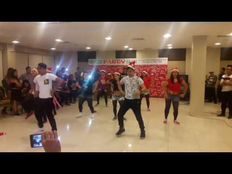 Remix Christmas Dance.