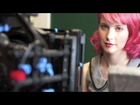 Paramore: Playing God (Beyond The Video)